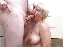 Mature chick fucked in her tub and fucked hard tubes