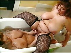Fat mature lesbians in the bathtub tubes