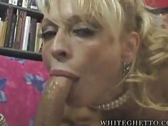 Glamorous blonde milf suck and facial tubes