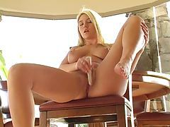 Alison Angel uses vibrator to cum tubes