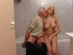 Babe sex with old man in bathroom tubes
