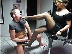Two women footjob and facesitting with him tubes