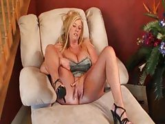 Wife swings with a new man tube