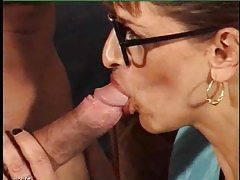 Fucking the milf in her fishnet stockings tubes