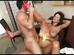Double penetration milf squirts when fucked tubes