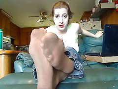She sucks and gets facials from multiple men tubes