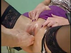 Milf fisted by nurse tubes