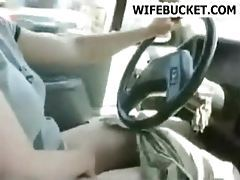 Chick rubbing her pussy in the car tubes