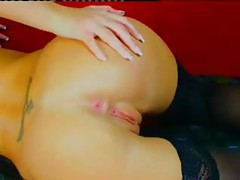 Fingering her incredible pussy on webcam tubes