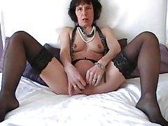 Mature in stockings masturbates her cunt tubes