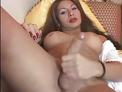 Shemale does a glamorous masturbation clip tubes