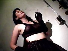 Smoking girl vibrates her clit tubes