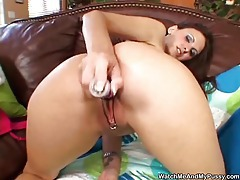 Nice toy playing with her hot pussy tubes