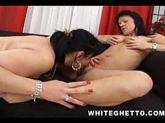 Mature chicks eating lesbian pussy tubes