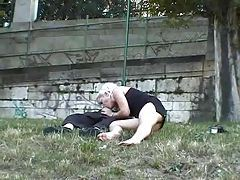 Couple has hot sex in a park tubes