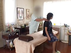 Japanese girl gets massage and has sex tubes