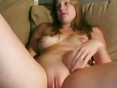 Amateur webcam girl with a shaved pussy tubes