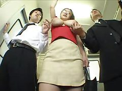 Girl on the subway gets groped tubes