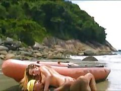 Babe and her man screw on the beach tubes