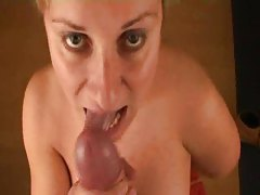 Blowjobs and cumshots with this blonde tubes