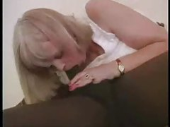 Black stud does a mature blonde pussy tubes