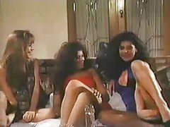 Three lesbians from the 80s play in scene tubes