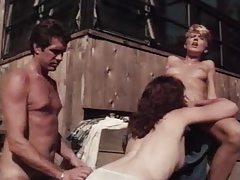 Classic porn threesomein the backyard tube