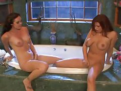 Lesbians in the bathtub have great sex tubes