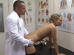 Doctor likes to fuck the stockings girl tubes