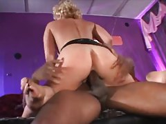 Huge black cock for a hot blonde milf tubes