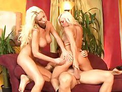 Lucky man fucks two hot bimbos tubes
