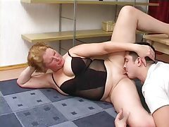 He shaves her pussy and she rides his face tubes