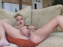 Blonde makes solo dildo sex video tubes