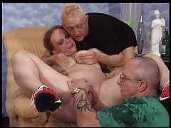 Pissing threesome with a redheaded BBW tubes
