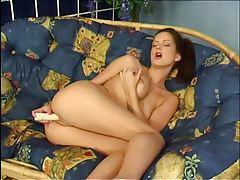 Sandra Shine vibrates her sexy pussy tubes