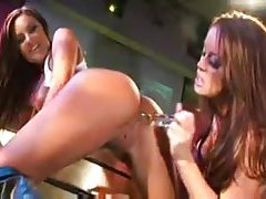 Strippers have lesbian sex on stage tubes