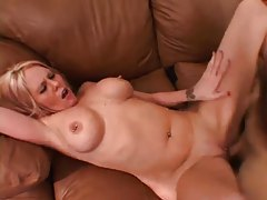 Milf makes hot reality porn with pussy pumping tubes