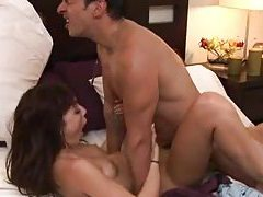 Erotic sex in bed with a slim girl tubes