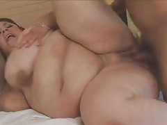 Two super fat sluts in a threesome tubes