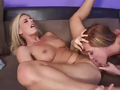 Fucking hot milfs eating wet box together tubes