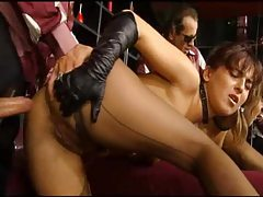 Girl in leather gloves fucked in the ass tubes