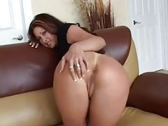 Chick with a beautiful big ass shows it off tubes
