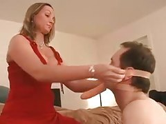 Cuckold serves his mistress on date night tubes
