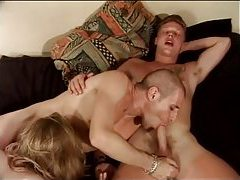Guys get oral with each other and tranny tubes
