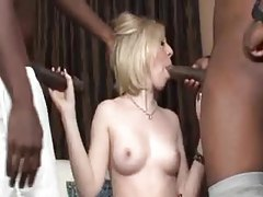 Housewife welcomes to black men to fuck her tubes