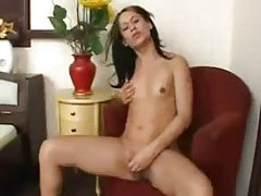 Solo tranny has a wicked hot body tubes