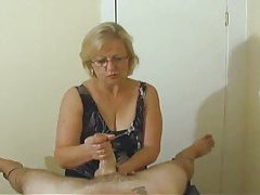 Mature with skills gives POV handjob tubes
