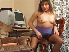 Hairy pussy slut using toy in her box tubes