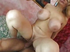 Enormous sexy boobs on this mature slut tubes