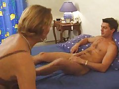 Fucking the French mom and loving her pussy tubes